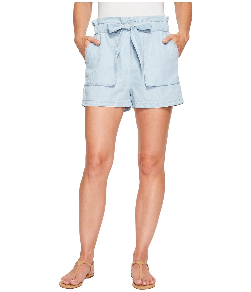 ROMEO & JULIET COUTURE - Bowtie Shorts (Light Wash) Women's Shorts