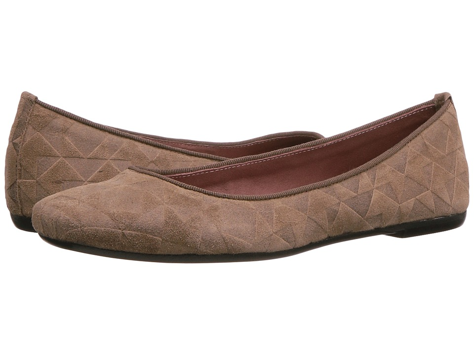 Summit by White Mountain Talisha (Beige Square Suede) Women
