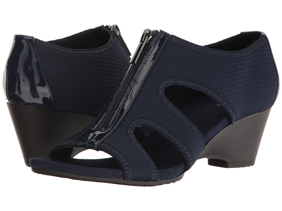 Bandolino - Narrows (Navy Fabric) Women's Shoes