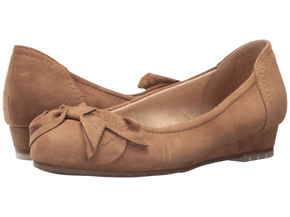Me Too - Martina (Chestnut Kid Suede) Women's Wedge Shoes