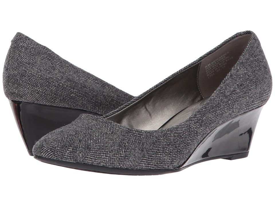 Bandolino Fayola (Grey Fabric) Women