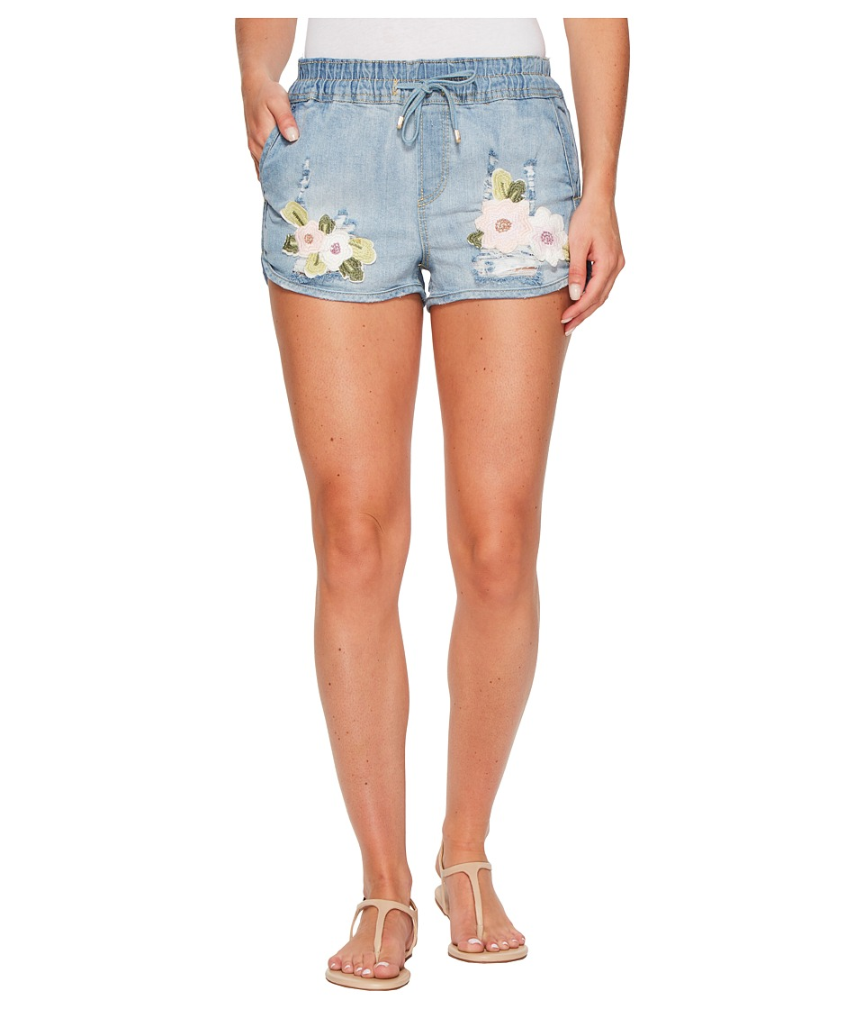 ROMEO & JULIET COUTURE - Floral Embroidery Denim Shorts (Denim Blue) Women's Shorts