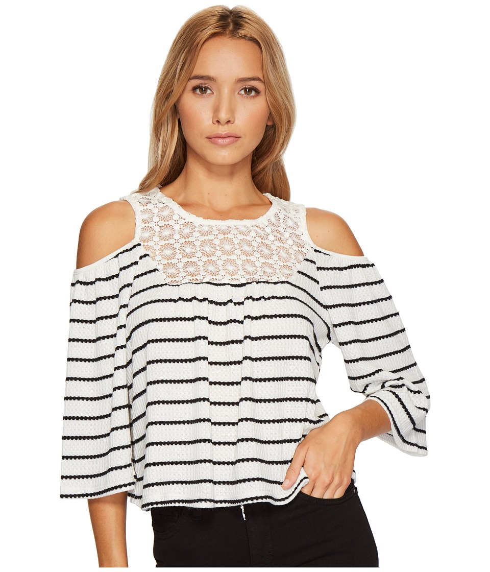ROMEO & JULIET COUTURE - Cold Shoulder Stripe Top with Lace Trim Neck and Keyhole Back (White/Black) Women's Clothing