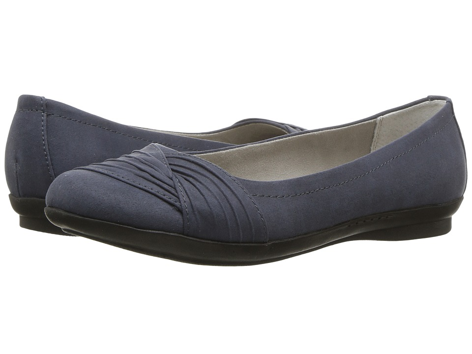 White Mountain - Hilt (Dark Blue Suedette) Women's Shoes