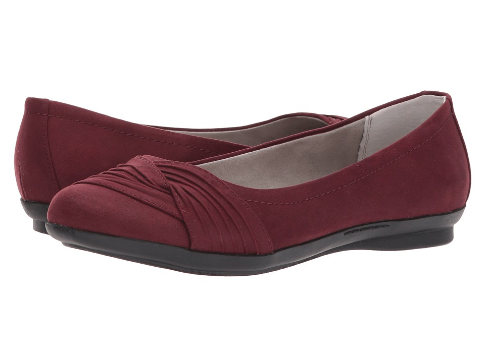 White Mountain - Hilt (Burgundy Suedette) Women's Shoes