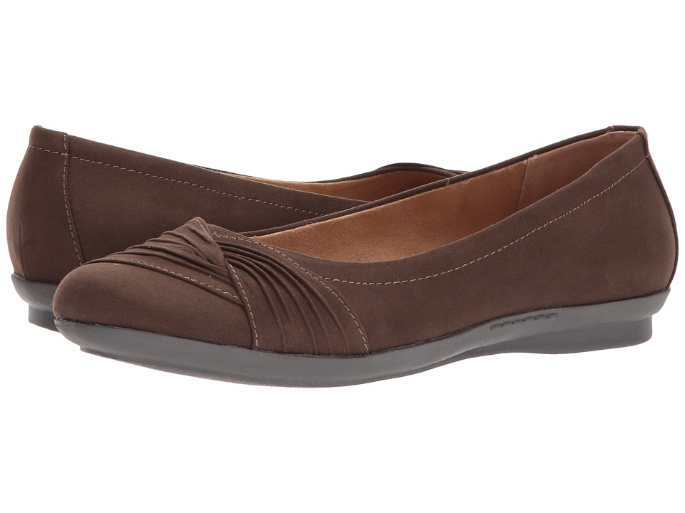 White Mountain - Hilt (Dark Brown Suedette) Women's Shoes