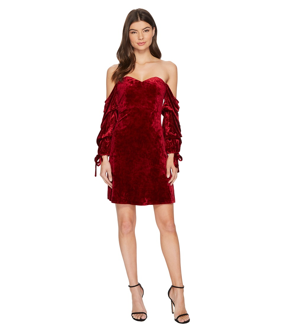 ROMEO & JULIET COUTURE Velvet Off the Shoulder Dress (Burgundy) Women