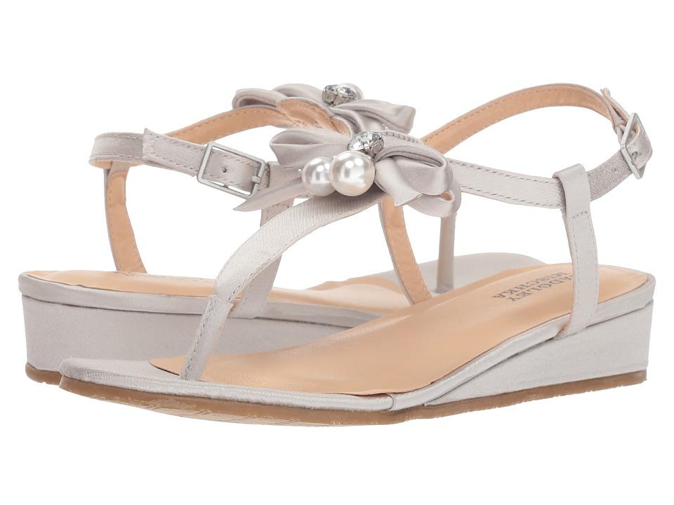 Badgley Mischka Kids Talia Pearl Bow (Little Kid/Big Kid) (Silver) Girls Shoes