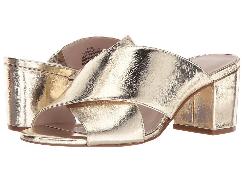 Nine West Freddius Slide Block Heeled Sandal (Light Gold Metallic) Women