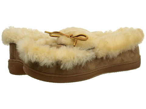 Minnetonka - The Ultimate Sheepskin Slipper (Tan) Women's Slippers