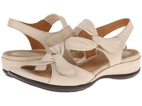 Clarks - Lucena (Beige Leather) Women